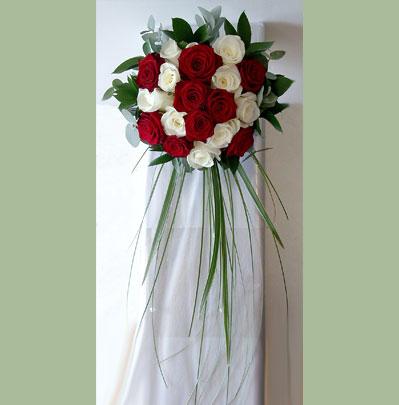 Wedding Flowers Bolton Brides Trailing Posy Style Bouquet